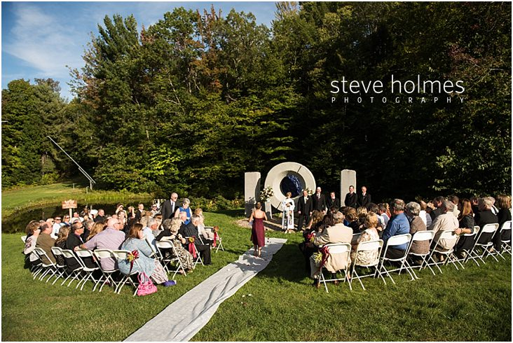 Outdoor wedding ceremony at Mount Sunapee Resort