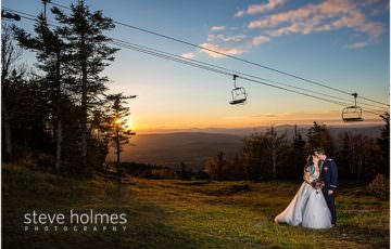 37_bride-groom-kiss-chairlift-in-background